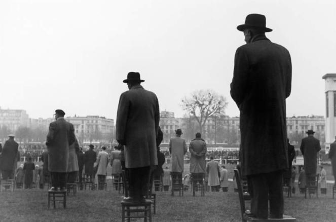 """""""Courses à Longchamp"""" 1952 Sabine Weis : """"Courses à Longchamp"""" 1952 Sabine Weiss     """"Courses à Longchamp"""" 1952 Sabine Weis : """"Courses à Longchamp"""" 1952 Sabine Weiss"""